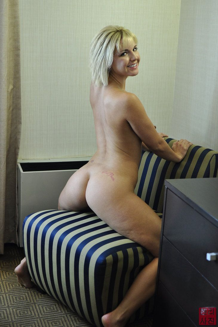 Naked open women picture