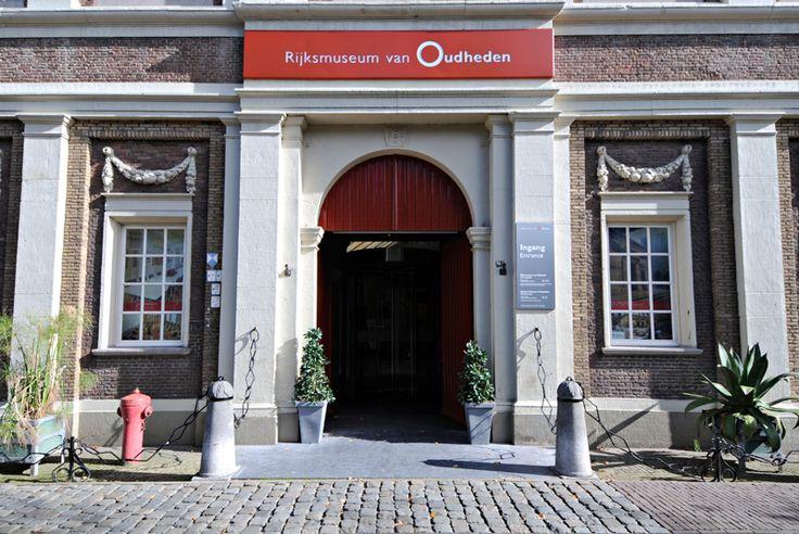Rijksmuseum van Oudheden (RMO) aan het Rapenburg. Dit prachtige museum heeft naast een vaste collectie ook steeds een interessante tijdelijke collectie.  Museum for old artifacts at the Rapenburg www.rmo.nl