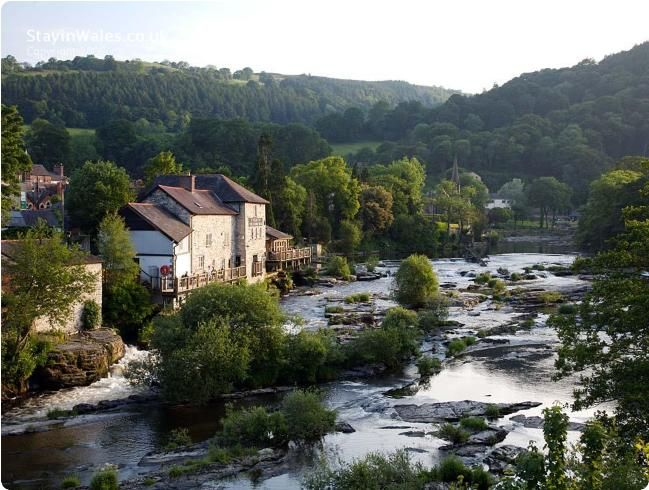 Llangollen, Wales... the whole place looks like a picture...
