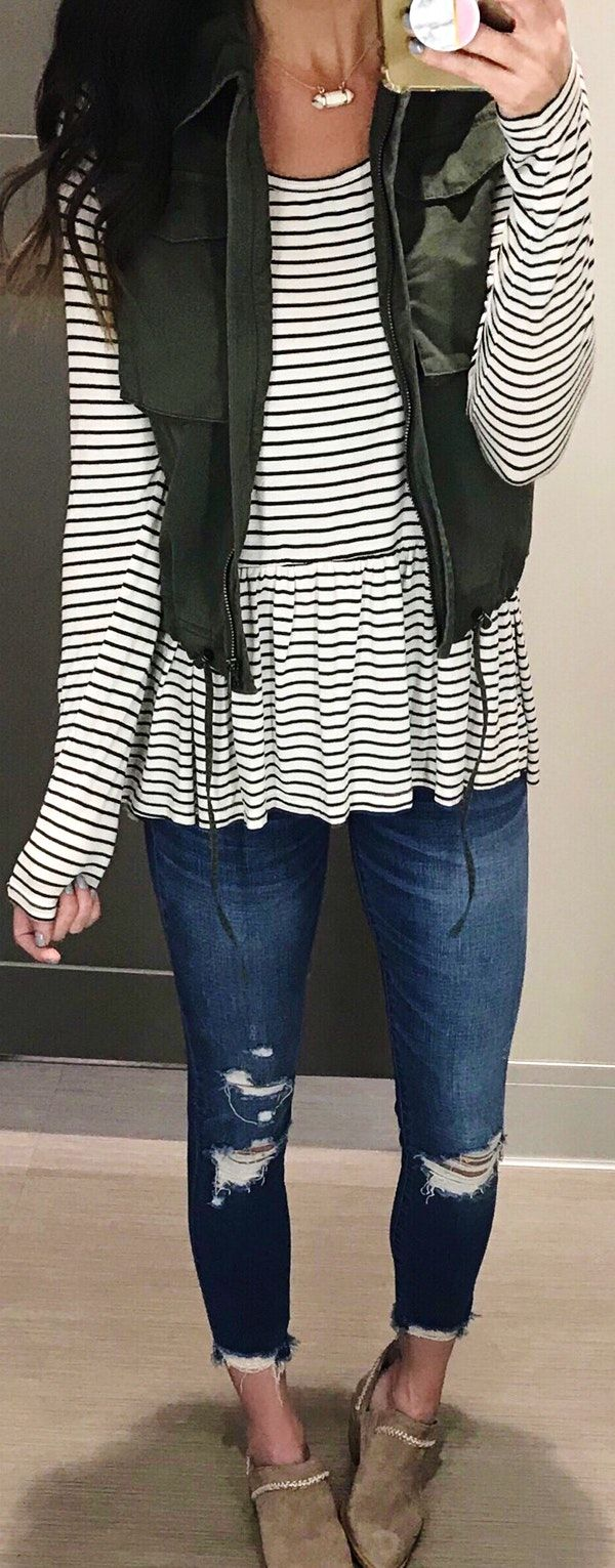 #spring #outfits woman wearing black and white striped dress. Pic by @thesisterstudioig