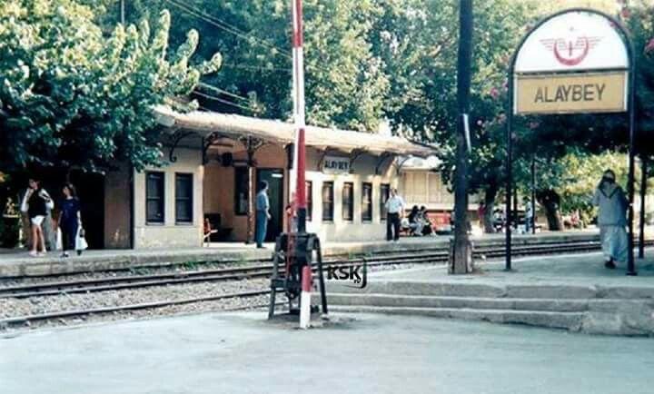 Bir zamanlar Karşıyaka, Alaybey istasyonu