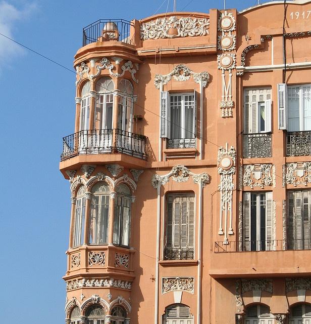 MML02, por Maitemelilla    Melilla  Detalle miradores  Edificio modernista 1917  Esquina Plaza de España y   calle General Marina  Arquitecto Enrique Nieto