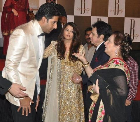 Muvyz050917 BollywoodFlashback Abhishek And Aishwarya With Dilip Kumar Saira Banu At 70th Birthday