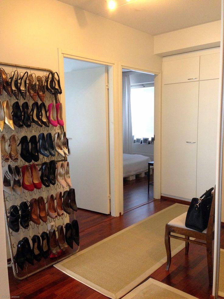 Colors to decoration from shoes / Väriä sisustukseen kengillä #oikotieasunnot #sisustus #DIY