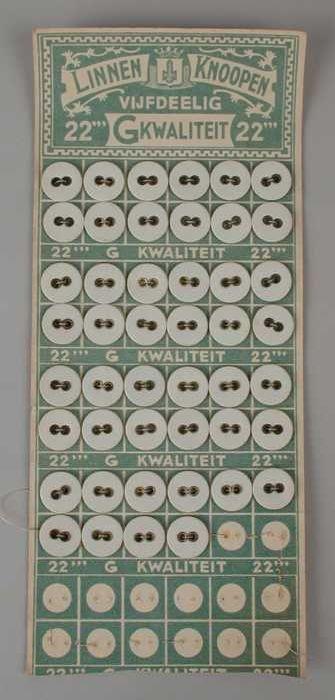 Knopenkaart met groen-witte opdruk en 5 x 12 linnen knopen, LINNEN KNOOPEN