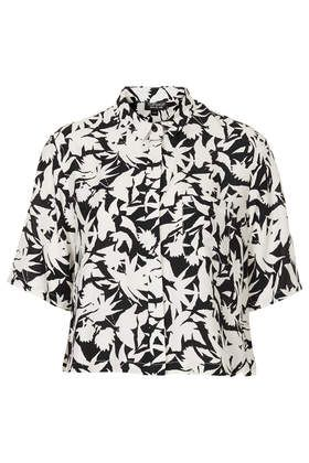 Mono Floral Shirt from Topshop http://www.topshop.com/en/tsuk/product/new-in-this-week-2169932/new-in-this-week-493/mono-floral-shirt-2611941?bi=1&ps=200