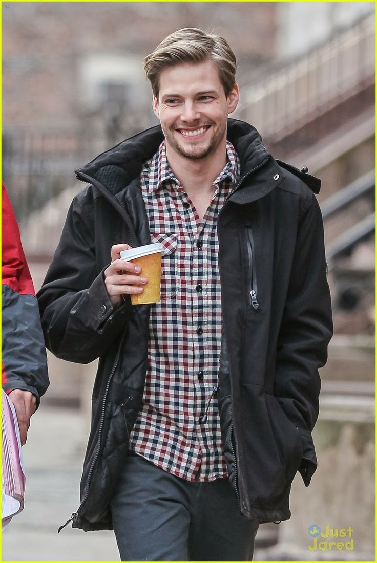 Hollywood News: Hunter Parrish On The NYC Set Of 'Still Alice'