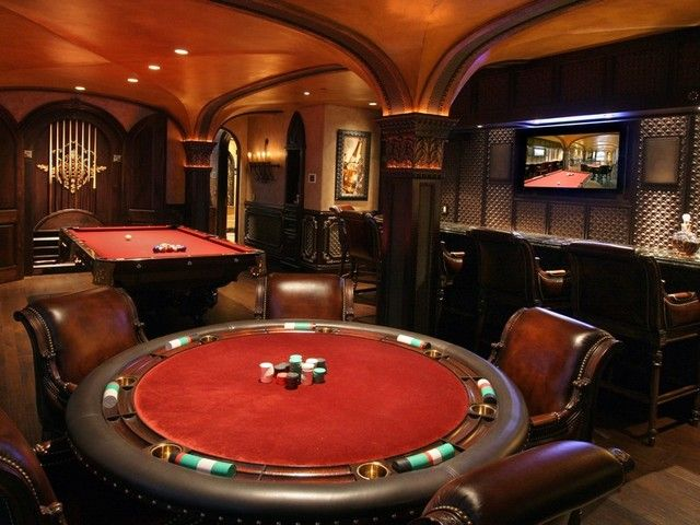 What a great room to keep guests entertained, what more could you ask for? #Gameroom #Activities #Entertainment