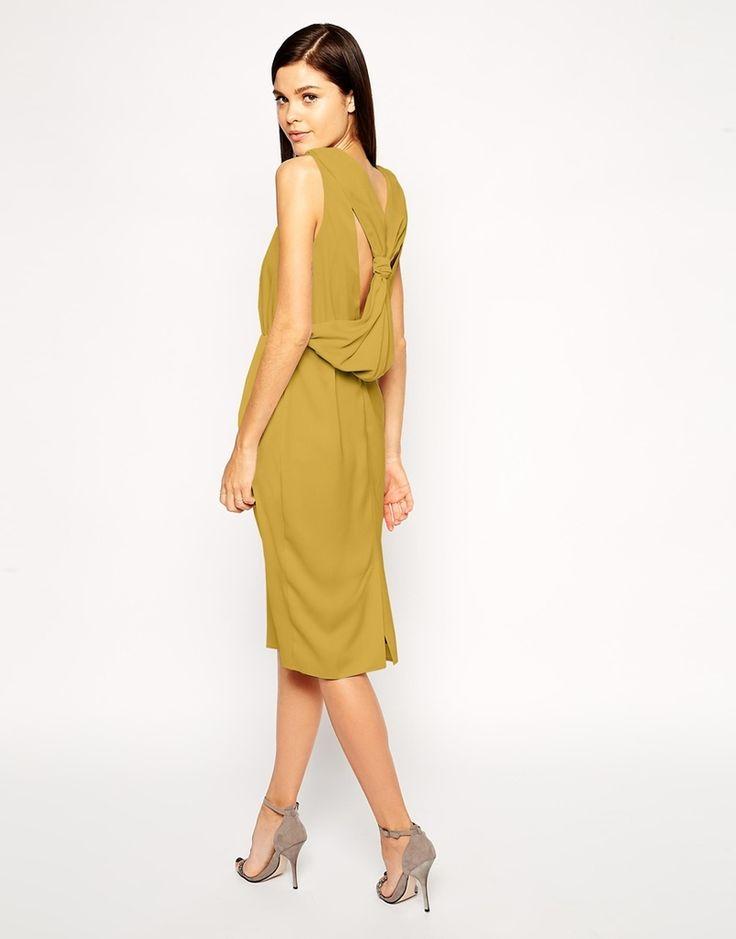 vestido barato de color mostaza para una invitada a boda de otoño o invierno
