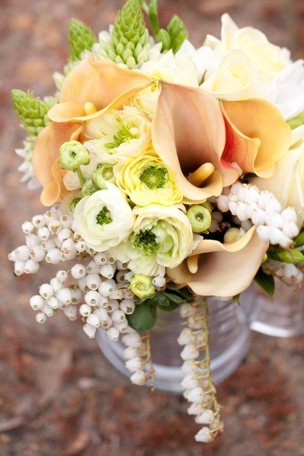 soft sherbet colour palate  Mini calla lillies, white heather, ranunculus, roses, Ornithogalum