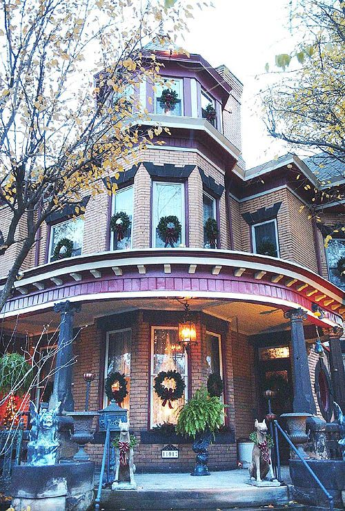 85 Best Victorian Homes At Christmas Images On Pinterest