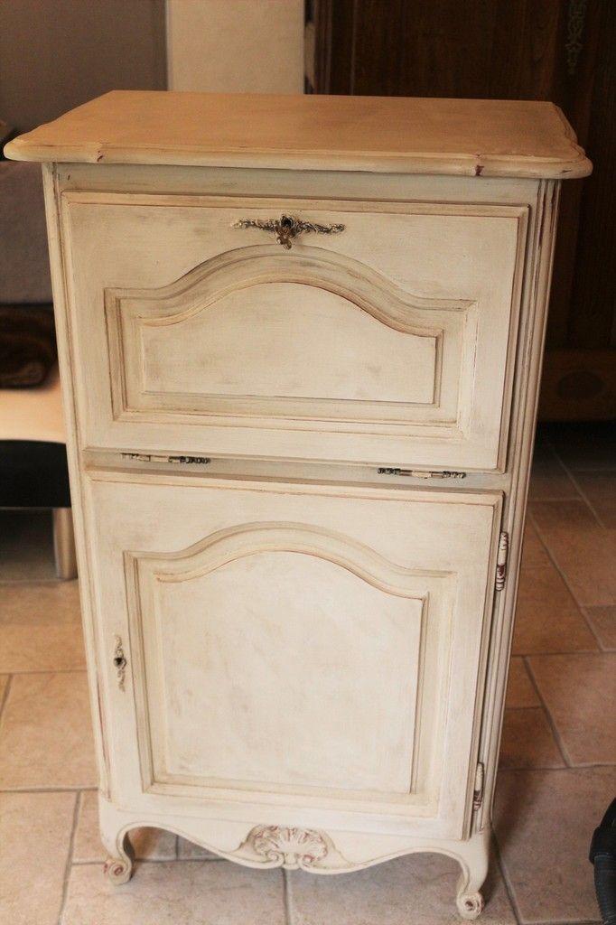 meuble blanc et bois