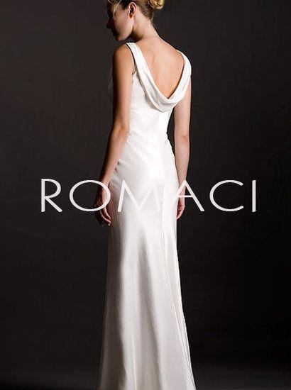 grande immagine  Vestito Laurea Silhouette Stretto Cappuccio con Spalline Larghe Abito da Sposa Dea