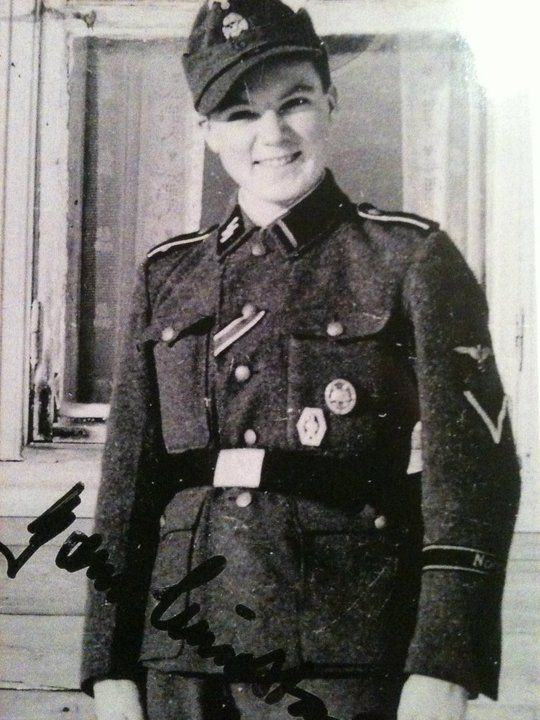 Bjorn Lindstad enlisted as a volunteer in theThe Norwegian legion at17 years old. After the war he wrote a diary with detailed descriptions of his experiences at the Eastern Front. His book came out last year but its only in Norwegian :( but if you speak the language then heres the book… https://www.tanum.no/_faglitteratur/historie-og-arkeologi/den-frivillige-bj%C3%B8rn-lindstad-9788248911630 (He's on the right in the 3rd Photo and the other man has the last name Karlsen)