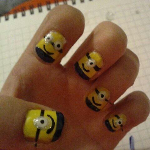 Minios nails