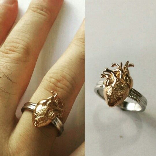 Somebody literally wanted to give the Heart away. We just helped. #Platinum & #RoseGold #HeartRing
