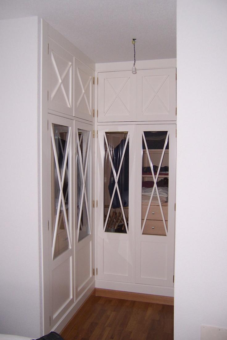 Armario en esquina con frente lacado en blanco y - Armarios empotrados en esquina ...