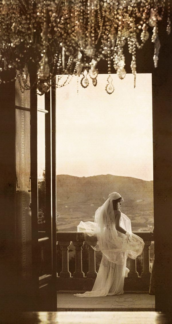 my idea wedding photo! sepia, balcony, back-shot, glamor, LOVE IT