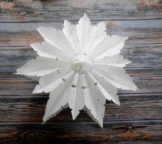 DIY Schneeflocke/ Schneeblume aus Papiertüten Basteln mit Kindern