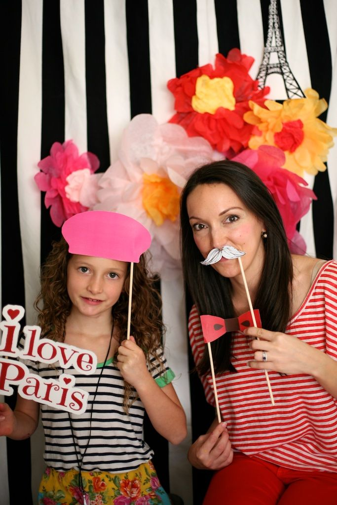 How to Make a Photo Booth for a Kid Party- This one is Paris themed! Props, decor and more