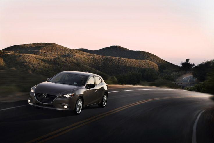 La Mazda3 2015 porte à un nouveau palier sa performance et sa tenue de route remarquable. http://www.lauriermazda.com/neuf/mazda3