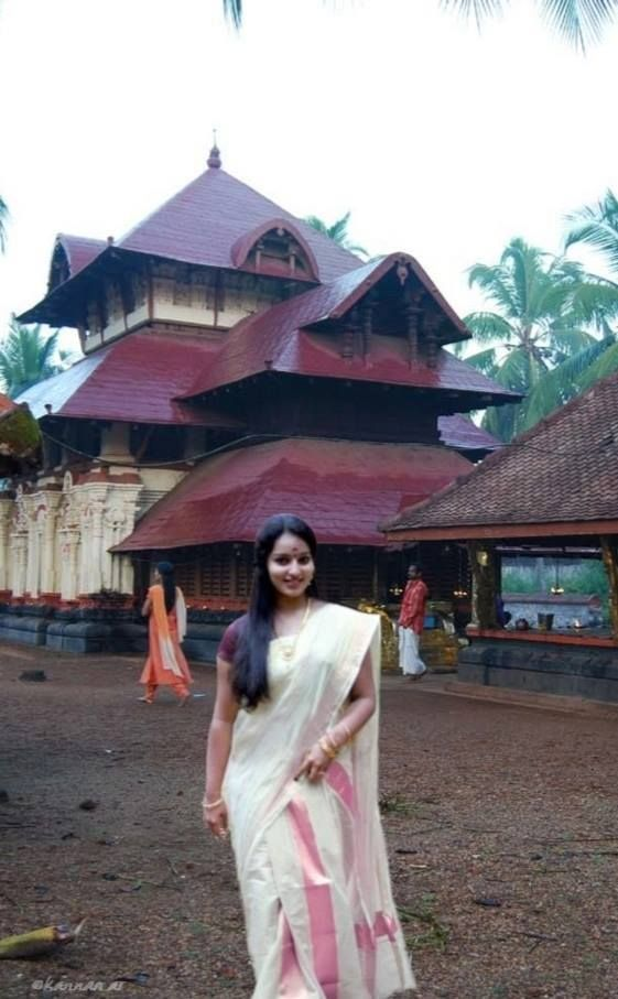 Kerala Traditional Hindu Saree | set against the incomporable beauty of an ancient Kerala temple