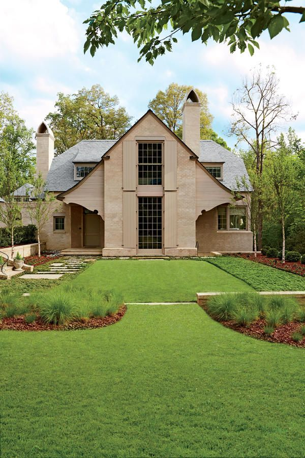 "About Face - Best New Home - Southernliving. Ken Pursley is serious when he refers to the homes he creates as mutts. ""They are not purebreds, but rather, I tend to draw on a lot of houses and precedents. What really matters is the emotion a house generates,"" says the Charlotte, North Carolina-based architect. For one hometown client, he looked to the early 20th-century work of Edwin Lutyens, a British architect known for adapting traditional styles of rural England to fit the times.     The…"