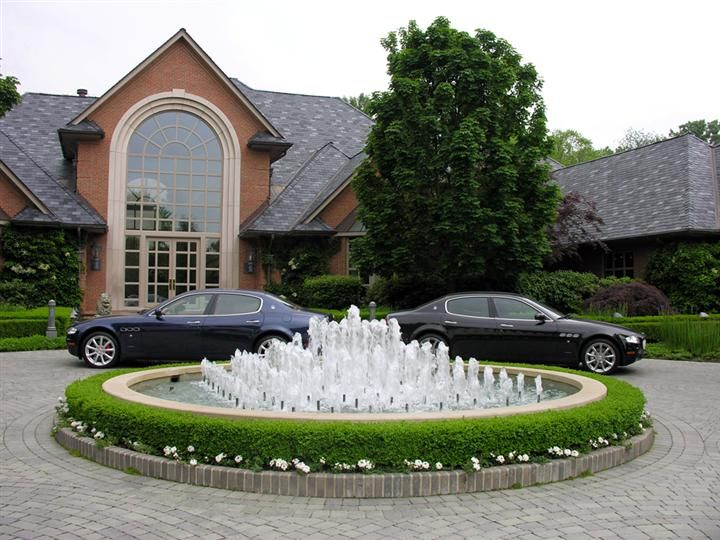 Driveway With Fountain Great Oaks Landscaping