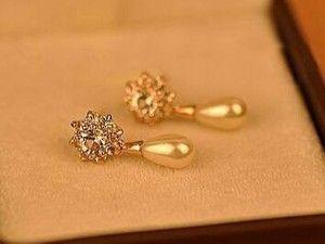 Artificial pearl earring