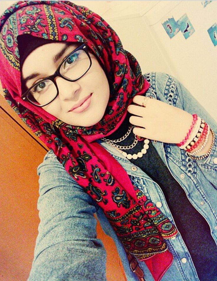 Gorgeous Hijabi with glasses ON
