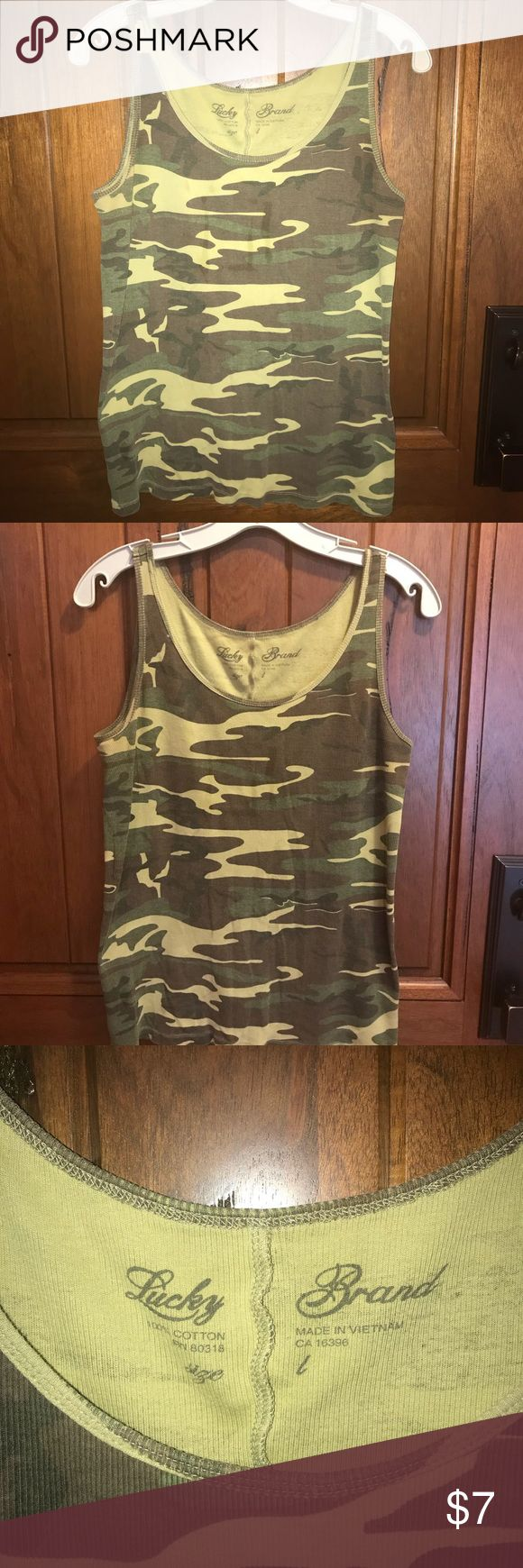 Lucky Brand women's large Ribbed camo tank top Lucky Brand women's large Ribbed camo tank top in good condition Lucky Brand Tops Tank Tops