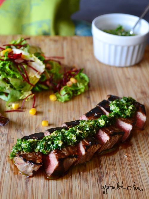 Sirloin steak with chimichurri - thank you, Argentina! | Amikor a hús dalra fakad - hátszín steak chimichurri szósszal