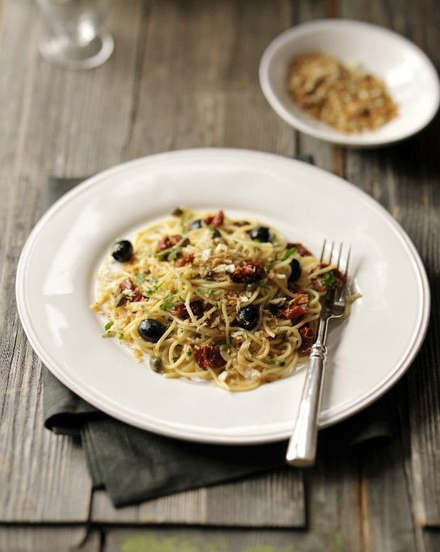 Špagety se sušenými rajčaty, kapary a olivami, Foto: S Italem v kuchyni II.