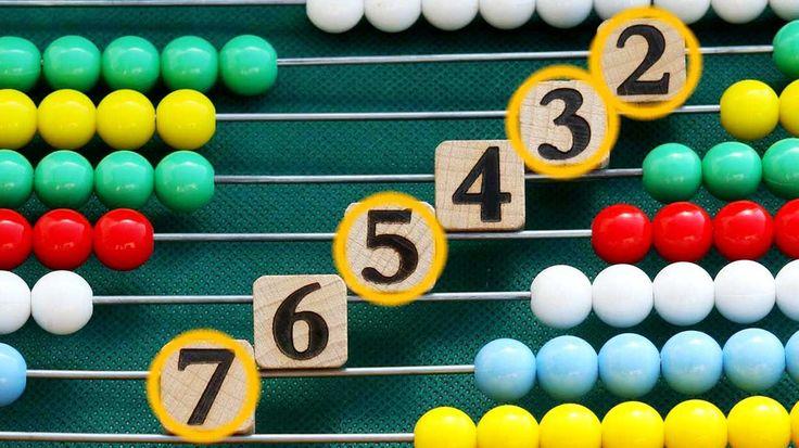 Sie sind nur durch 1 und durch sich selbst teilbar. So weit, so einfach. Doch Primzahlen geben Mathematikern bis heute viele Rätsel auf. Zum Beispiel warum die seltsamen Zahlen in unregelmäßigen Abständen auftauchen.