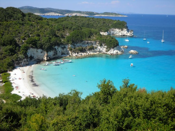Just 20 minutes away from Corfu, get a boat from the port of Corfu for a day trip to Paxos and Antipaxos. Amazing beaches to swim, eat and take pictures. For more ask the Reception of #DelfinoBlu  #paxos #antipaxos #beachescorfu