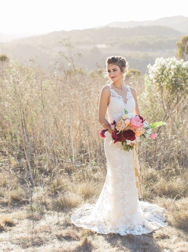 Mermaid V-neckline Open Back Lace Wedding Dresses