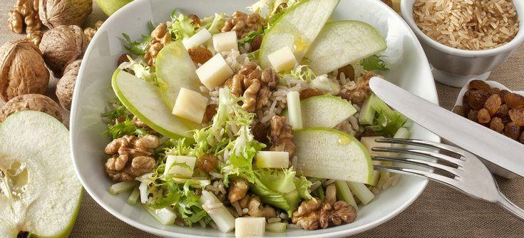Una insalatona da consumare come piatto unico, unisce tanti squisiti sapori agrodolci e soprattutto apporta una notevole quantità di nutrienti essenziali protettivi e antiossidanti.