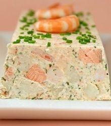 Terrine de Saint-Jacques, saumon et crevettes sauce citronnée
