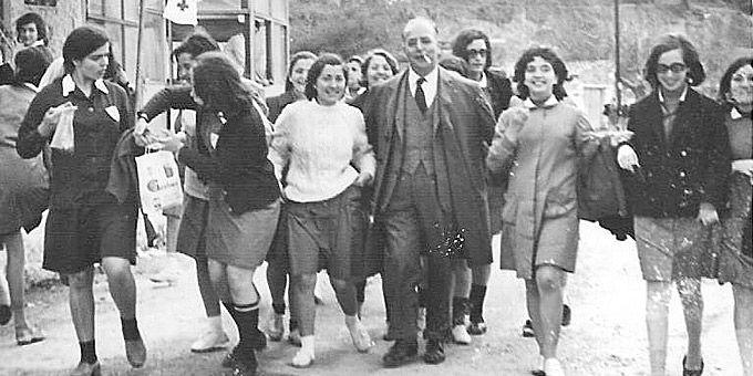 Η Αθήνα των 60s: Φωτο-βόλτα σε άλλες εποχές Περίπατος του ΙΒ' Σχολείου Θηλέων