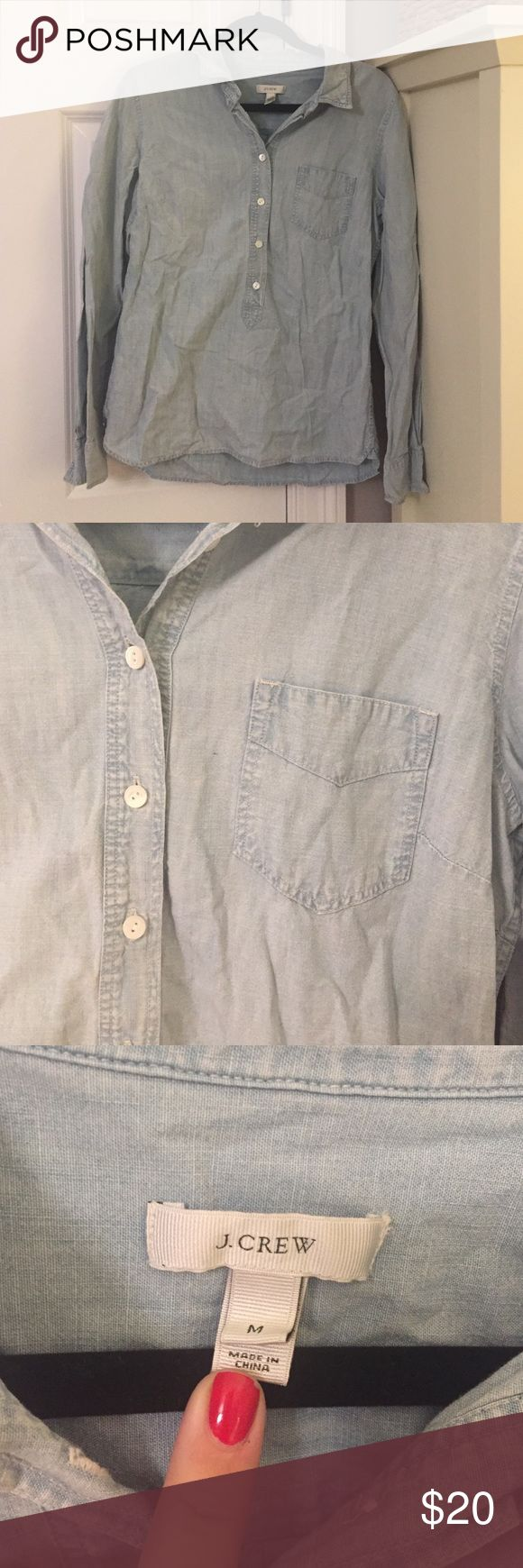 JCrew pop over chambray shirt Great condition in this adorable chambray shirt from jcrew! J. Crew Tops Button Down Shirts