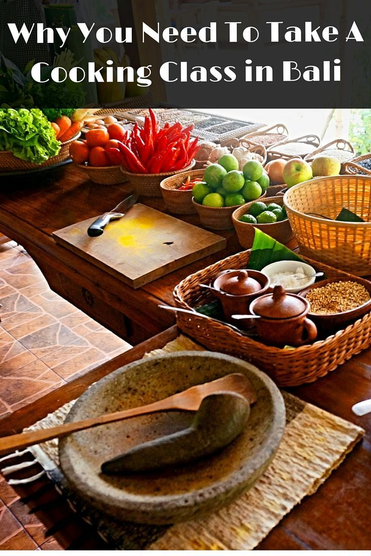 Don't miss one of the best things to do in Bali, take a cooking class in Ubud. Learn how to cook balinese cuisine.