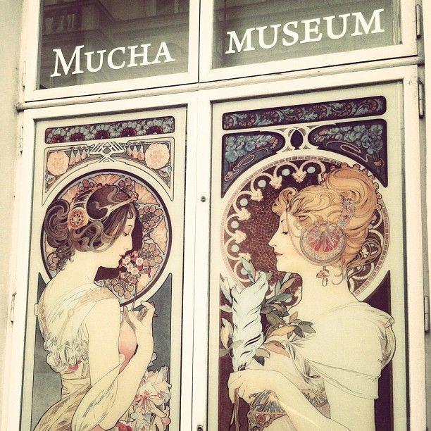 Muchovo muzeum or Mucha Museum in Praha is definitely a visit worth! #Prague #GowithOh