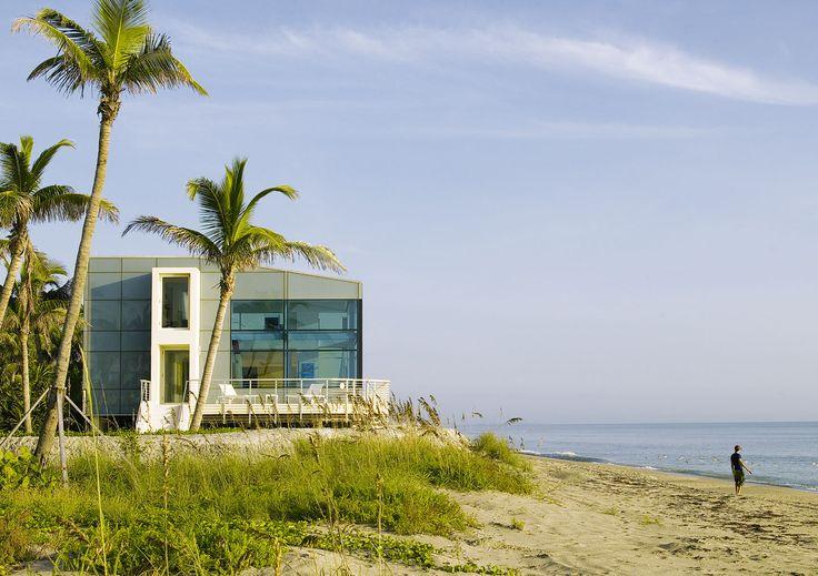 Beach Road 2 House by Hughes Umbanhowar Architects