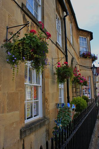 Corsham Town (2) by KarlGercens.com GARDEN LECTURES on Flickr
