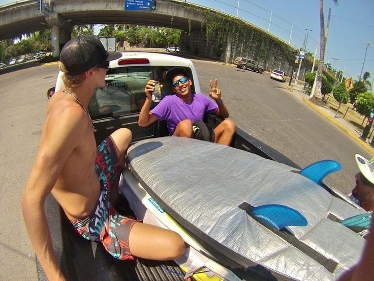 The boys cruising in Acapulco .... #surfinglifestyle #surftrip #pawateam #pawasurf #pawa