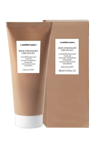 A liposomal cream gel that is specifically for the treatment of edematous cellulite accompanied by water retention and swelling of the legs. The formula, with 94% natural-origin ingredients. Free from mineral oil, parabens and silicones.