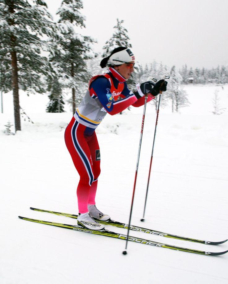 Multimedalistka olimpijska i mistrzostw świata w biegach narciarskich Norweżka Marit Bjoregen pomimo 34 lat nie myśli jeszcze o końcu kariery i zapowiedziała, że zamierza startować jeszcze 5-6 lat. http://sport.tvn24.pl/sporty-zimowe,130/bjoergen-idzie-na-dlugi-dystans-koniec-kariery-dopiero-po-czterdziestce,493633.html