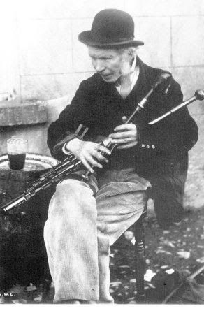 irish music uilleann pipes Uilleann pipes technique over the course of twelve lessons, four tunes will be examined in detail the first lesson in each set of three will introduce the tune with basic technique this will be followed by a lesson looking at tune specific technique and variation a basic approach to regulator and drone playing will then be given.