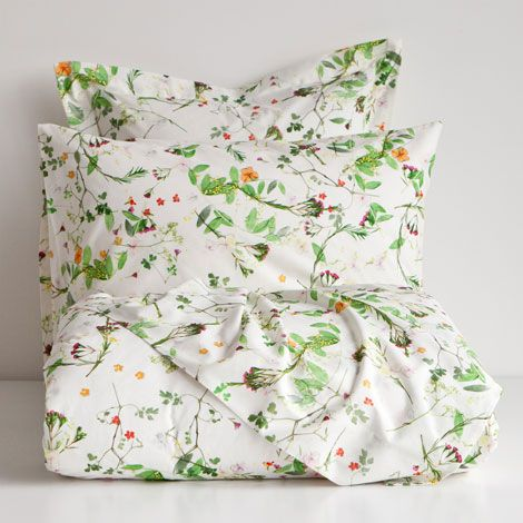Wild Flower-Print Bedding | Zara Home I can't decide between this or another floral one from Zara... or maybe I should buy some cool indie brand's duvet cover?! Link suggestions welcome!