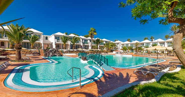 Hotel and swimming pool general view #h10oceansuites #oceansuites #h10hotels #h10 #hotel #hotels